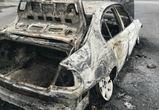 В Воронеже ночью загорелись несколько машин
