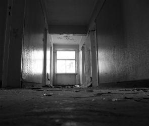 В Воронеже в нежилом здании нашли тело подростка