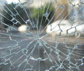 Два человека погибли в столкновении грузовика и кроссовера под Воронежем