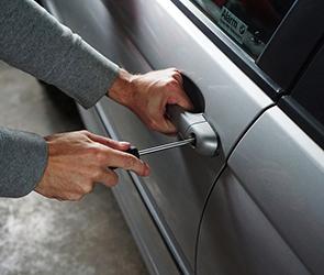 Воронежцы сообщают о массовых автомобильных кражах в разных районах