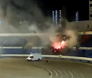 В Воронеже из-за взрывов пиротехники на матче «Факела» задержали 200 фанатов