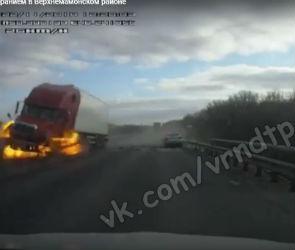 Появилось видео аварии с возгоранием из-за отлетевшего колеса