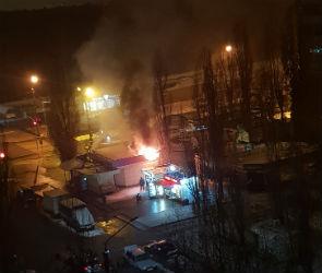 Воронежцы опубликовали фото горящей пекарни в Советском районе