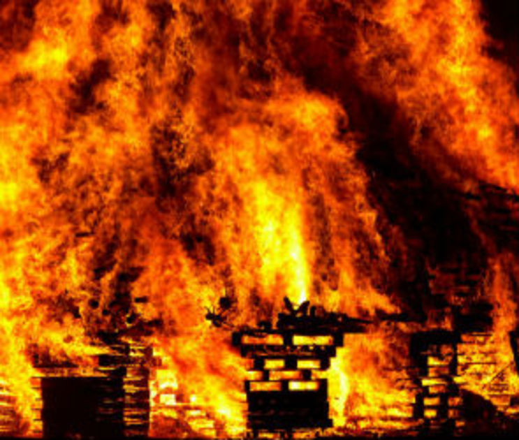 Под Воронежем грабители заживо сожгли пенсионерку из-за 9 тысяч рублей
