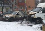 В ДТП с «Газелью» и «Нивой» в Воронеже ранен водитель внедорожника