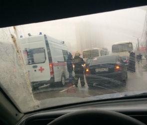 Улица 9 Января парализована из-за массовой аварии