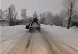 В Воронеже сняли на видео мужской «тверк» на багажнике едущего ВАЗа