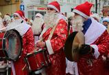 Воронежцы делятся фото и видео красочного многолюдного парада Дедов Морозов