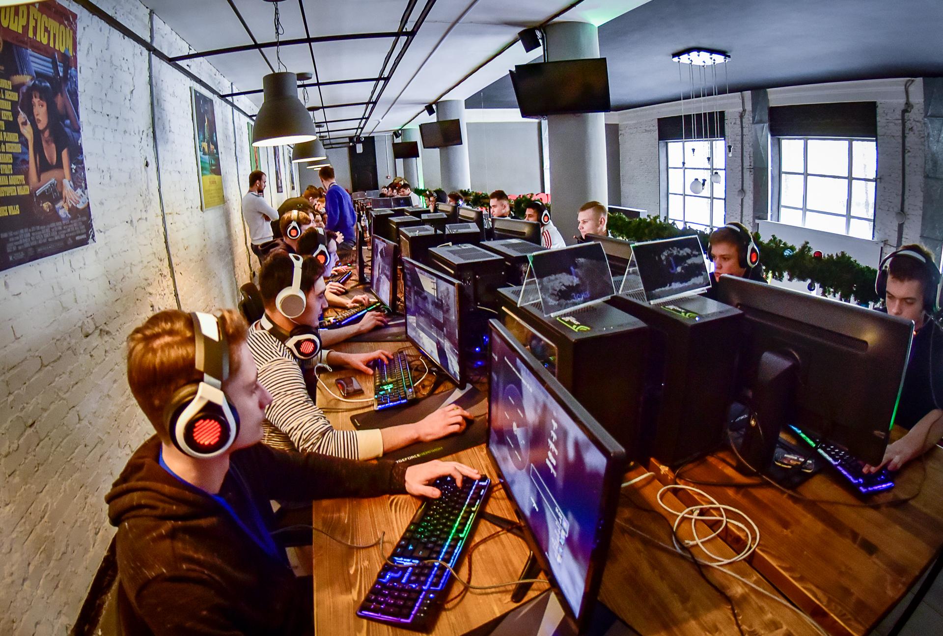 Более тысячи киберспортсменов приняли участие в открытом кубке «Домru» по CS:GO