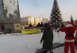 Воронежцы сфотографировали «расстрел» Ленина Дедом Морозом