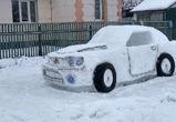 Воронежец слепил из снега легендарный спорткар