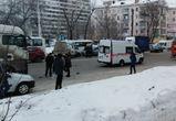 На Ленинском проспекте столкнулись «МАН», «Газель» и «Шевроле», есть раненые