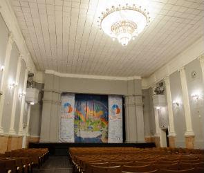 В Воронеже реконструируют здание бывшего Дома офицеров