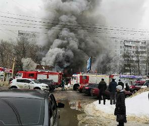 На улице Лизюкова Воронеже загорелся ресторан «Питница»