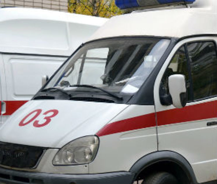 12-летний мальчик сломал ногу, попав под колеса иномарки в Воронеже