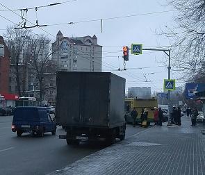В Воронеже на опасном переходе заработал светофор