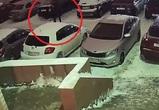 Воронежец по ошибке проколол колеса на машине незнакомкой девушки
