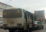 В Воронеже на Ленинском проспекте произошло ДТП с автобусом и легковушкой: ФОТО