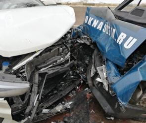 В Воронеже ищут водителя, сбежавшего с места ДТП: ранены трое взрослых и ребенок