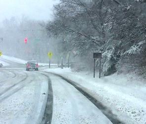 Воронежских водителей призывают к осторожности на дорогах после снегопада