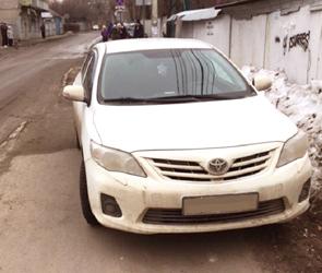 В Воронеже 20-летнего водителя Тойоты наказали за наглую парковку: ФОТО