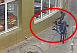 Опубликовано видео жестокой драки у бара рядом с ТЦ Галерея Чижова в Воронеже