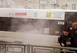 В центре Воронежа на ходу загорелся автобус с пассажирами: подробности и фото ЧП