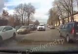Свадебный кроссовер проехал по «встречке» в Воронеже и попал на видео