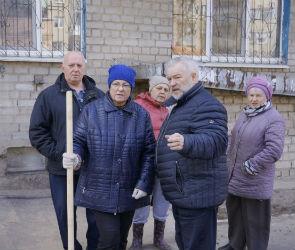 Фонд «Доброта» помог жителям улицы Жигулевской благоустроить двор