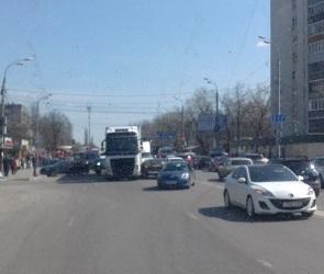 Стали известны подробности массового ДТП на улице Димитрова