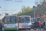 Из-за массового ДТП на левом берегу Воронежа образовалась огромная пробка – фото