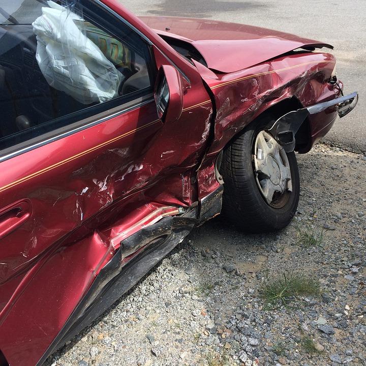 В Воронеже ищут водителя, устроившего аварию с 6 машинами и детской коляской