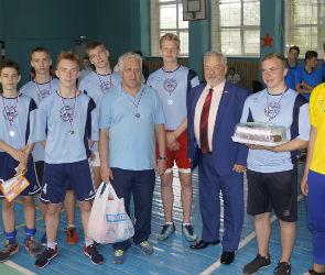 С волей к победе: в Воронеже прошел школьный турнир по мини-футболу