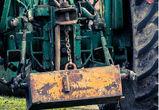 Под Воронежем угонщик разнес трактором турбазу