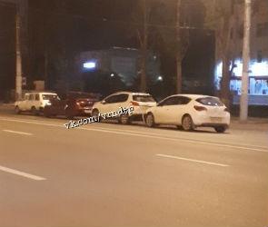 Два человека пострадали в массовой аварии на левом берегу Воронежа