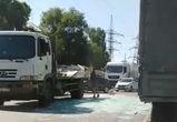 В Воронеже водитель стекловоза разбил груз и спровоцировал пробку
