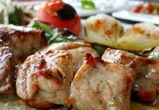 В пяти кафе в Воронежской области посетителей кормили опасным мясом
