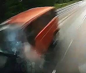 На видео попал момент ДТП с восемью погибшими под Воронежем