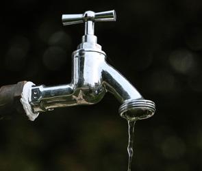 В Воронеже несколько улиц остались без воды из-за сложной аварии на водоводе