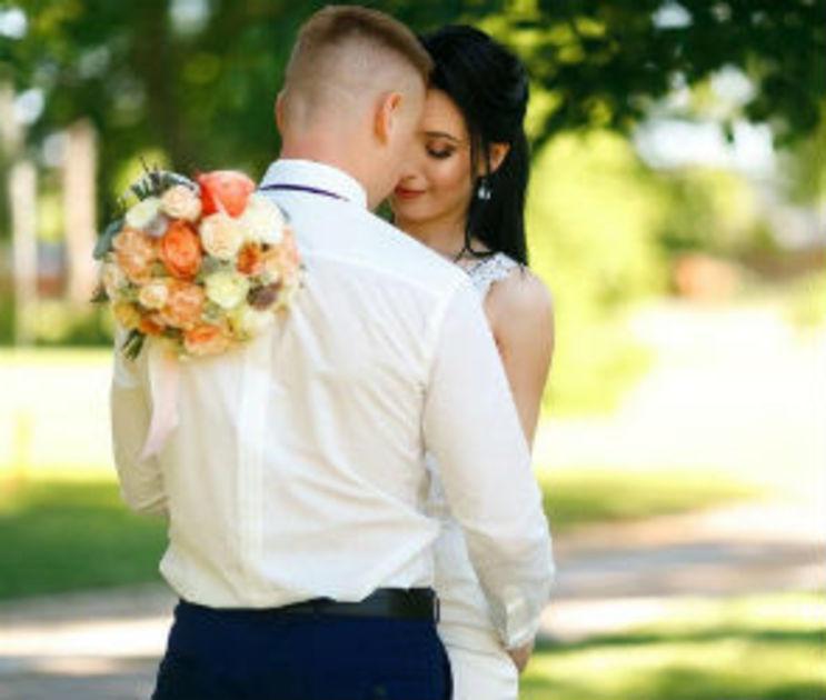 В канун Дня семьи, любви и верности 300 пар сыграют свадьбу