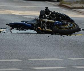 Один подросток погиб, двое ранены в столкновении мотоциклов под Воронежем