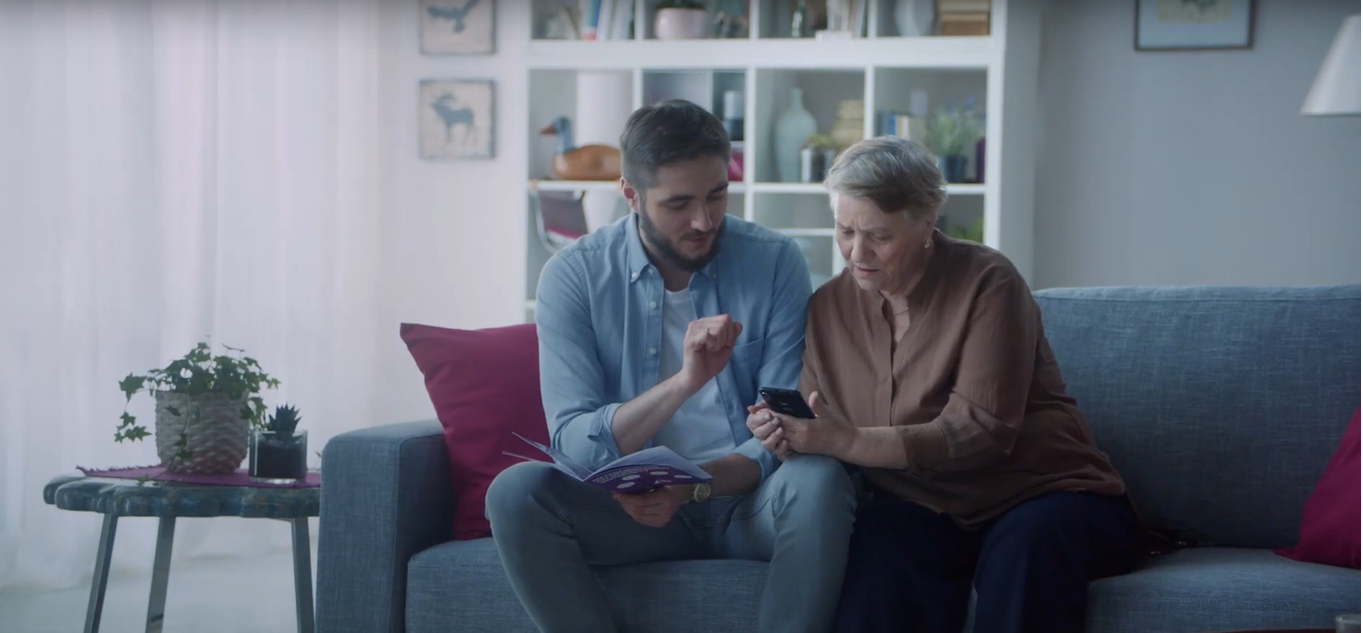 Tele2 предлагает перевести бабушку в интернет