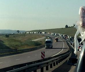 В сети водители обсуждают гигантскую пробку у Лосево под Воронежем: ФОТО, ВИДЕО