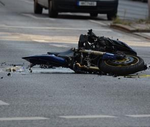 На трассе М-4 под Воронежем пьяный водитель «Лады» сбил мотоциклиста и скрылся