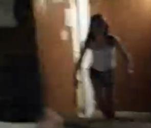 В Воронеже девушка с двумя ножами бросалась на прохожих