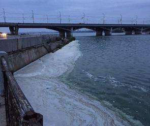 Стало известно, почему на Воронежском водохранилище появилась пена