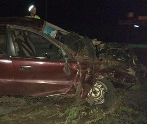 В Воронежской области после ДТП перевернулась машина: есть пострадавшие