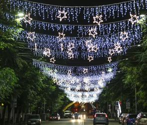Воронежцам показали, как будет выглядеть праздничная иллюминация ко Дню города