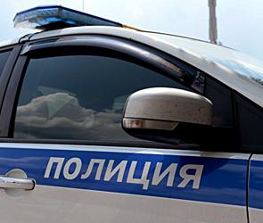 Полицейские помогли семье пенсионеров, застрявших в сломанном авто под Воронежем