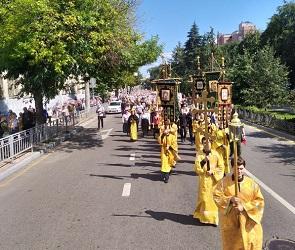 Из-за крестного хода Воронеж встал в пробках